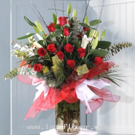 20 Red Roses & 8 White Lilies