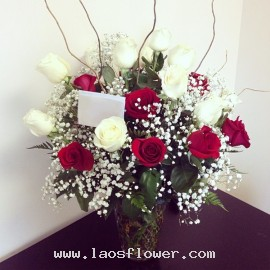 21 Red & White Roses With Vase