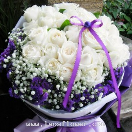 33 White Roses Bouquet