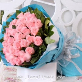 33 Pink Roses Bouquet
