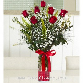 7 Red Roses in a Vase