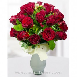 A Vase of 26 Red Roses